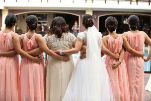 הבסטי מתחתנת