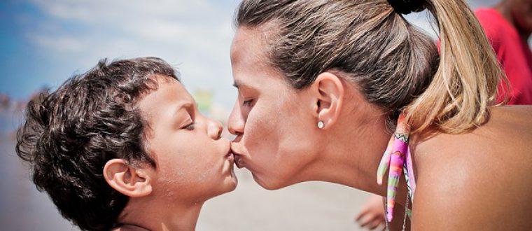 לתעד את הרגע: למה חשוב לעשות צילומי משפחה